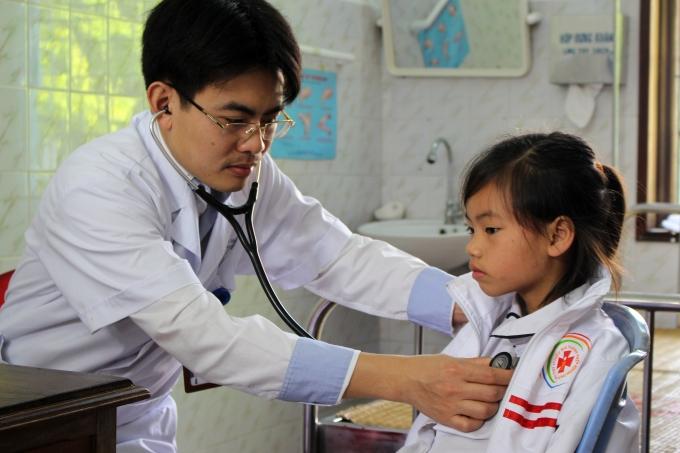 Bạn cần có kiến thức chuyên môn vững vàng để trở thành bác sĩ giỏi