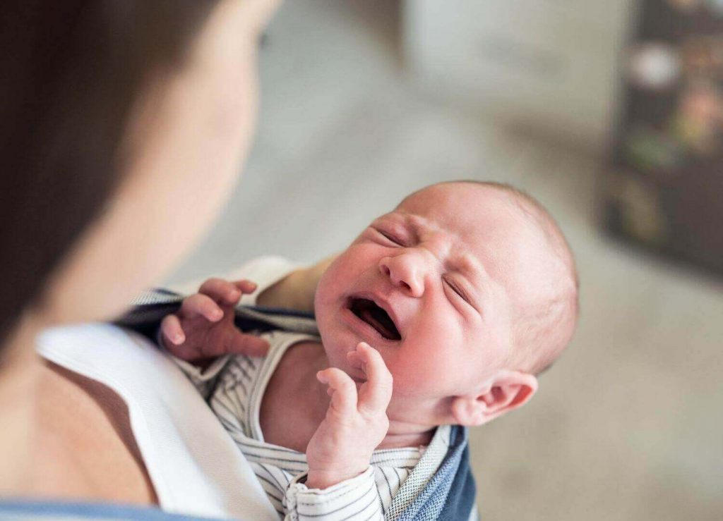 Trào ngược dạ dày là khiến trẻ hay giật khi ngủ